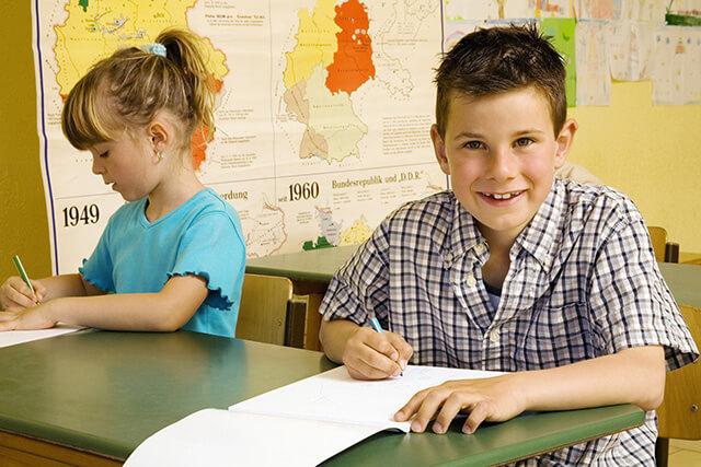 kid with invisalign braces